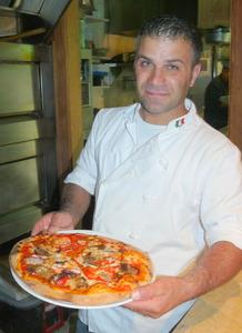 Agostino_w_pizza.JPG