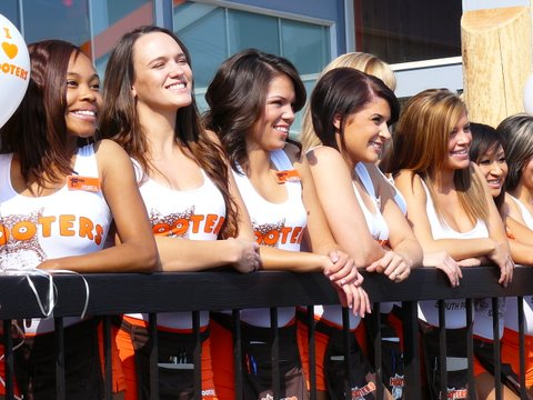 Hooters%20girls%20line%20up.JPG