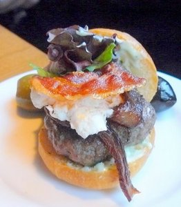 Lamb%20burger%20at%20Matt%27s.JPG