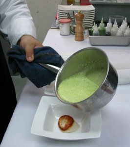 Pea%20soup%20going%20over%20scallop.JPG