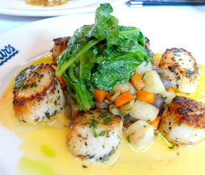 Scallops%20on%20dinner%20menu.JPG