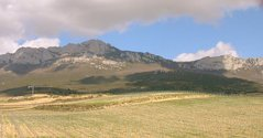Cantabrian mountains behind Ysios winery.jpg