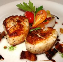 Grilled scallops at FFish2.JPG