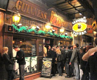 Line outside Guiness Tavern in Paris.JPG