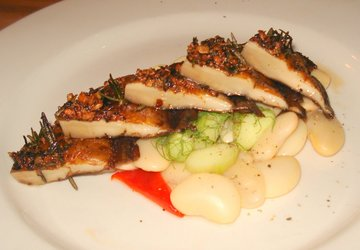 Portobello w butterbean salad at Black Bottle.JPG