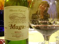Rioja wineglass w Sara Sampedro.jpg