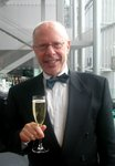 Ronald Holden w champagne.JPG