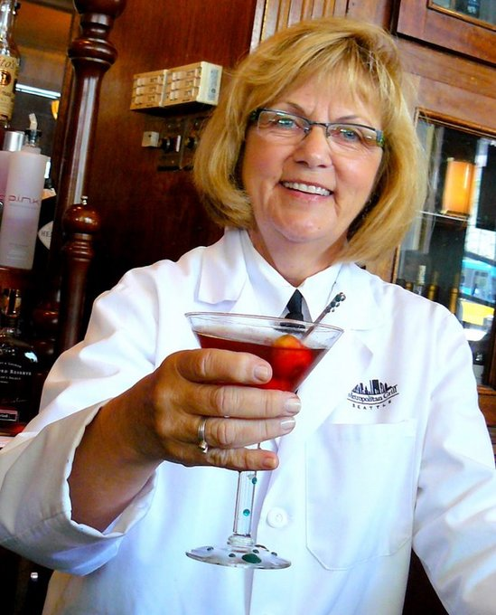Joan King w winning Manhattan.JPG