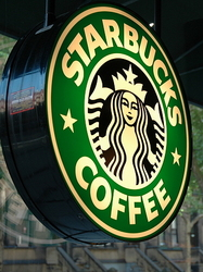 images-new-york-2004-starbucks-700x700.jpg